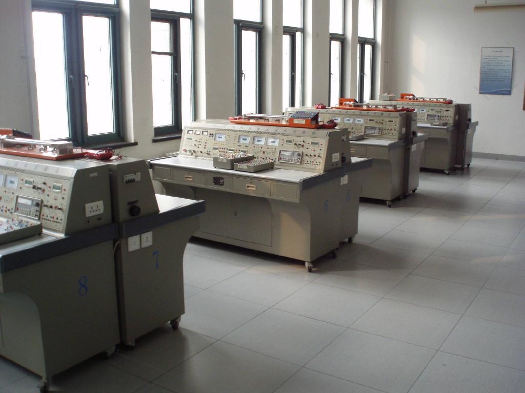 电工实验室-城建-控制与机械工程学院